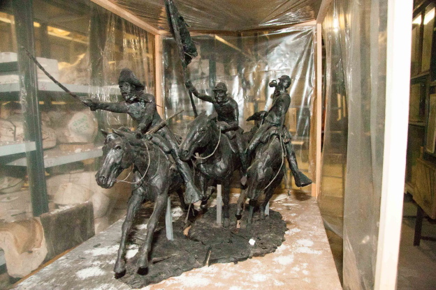 Cavalry Charge an unfinished original work by Harry Jackson. This gave birth to the Flagbearer sculpture. 31 H x 41 L x 11 W inches.